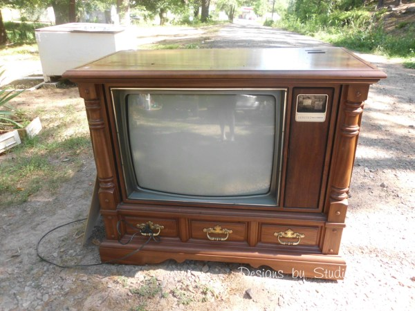 How to Revamp an Old Console TV Cabinet 2