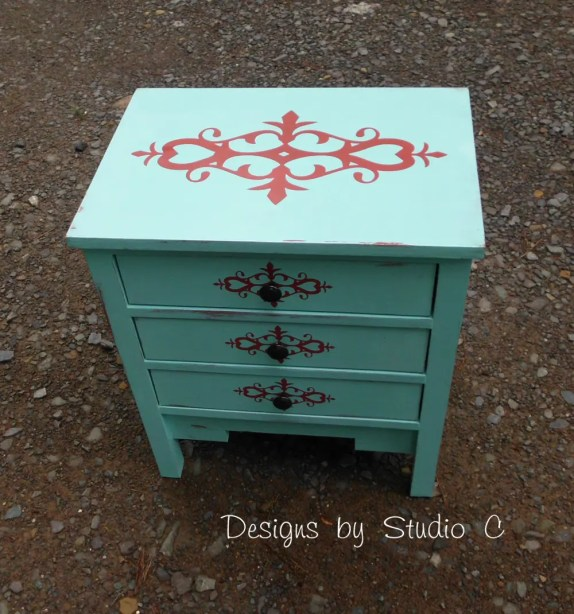 free DIY woodworking plans to build a monterrey side table SANY2472