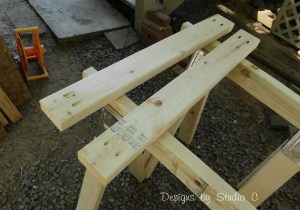 build sawhorse table brackets SANY2576