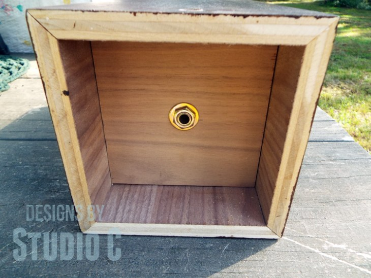 DIY Plans to Build a Lamp Base with Plywood_Pipe Bottom