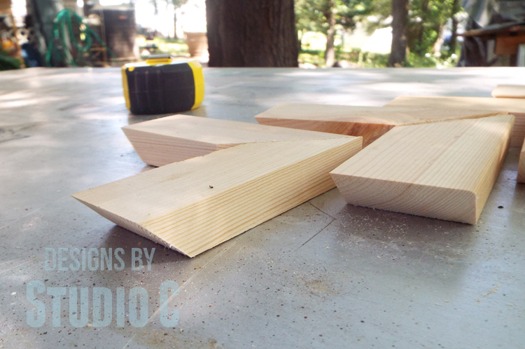 The Miters Are Joined Using Glue And 1 1/4u2033 Pocket Hole Screws To Make An  L Shaped Foot. (Here Is A Tutorial On Drilling Pocket Holes In A Mitered  Edge!)