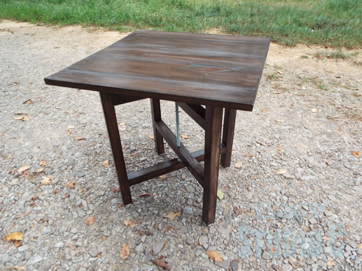 DIY Plans to Build a Cross-Leg End Table_Side View