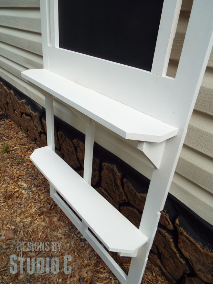 Turn an Old Screen Door into a Chalkboard with Shelves_Shelves
