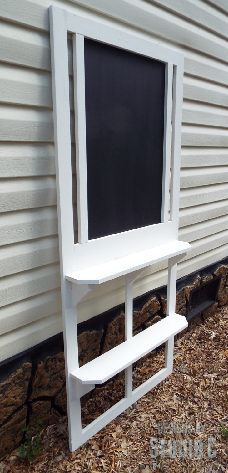 Turn an Old Screen Door into a Chalkboard with Shelves_Side View