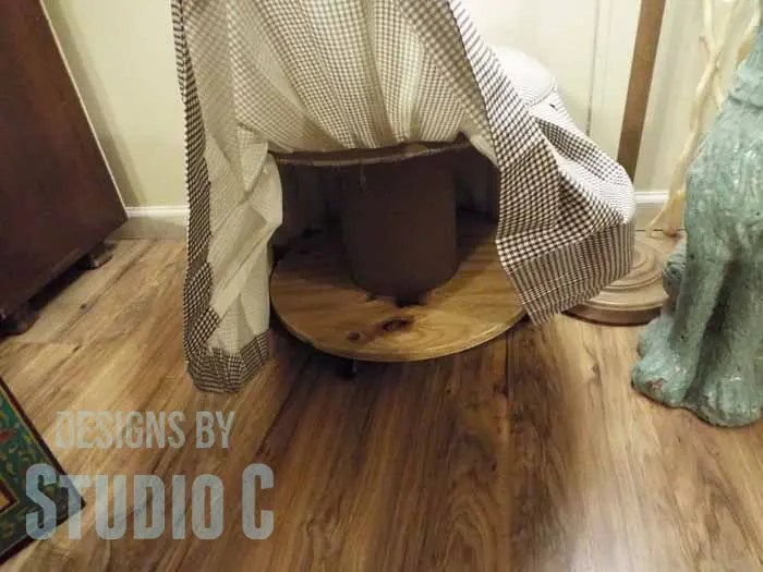 DIY Ottoman or Footstool Using an Old Wooden Spool_Underside