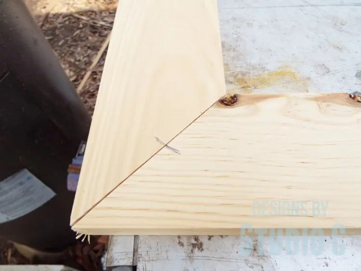 How to Make Biscuit Joints in Mitered Corners - Mark Across Miter