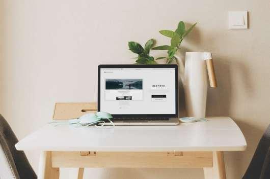 Display MacBook Laptop Mockup
