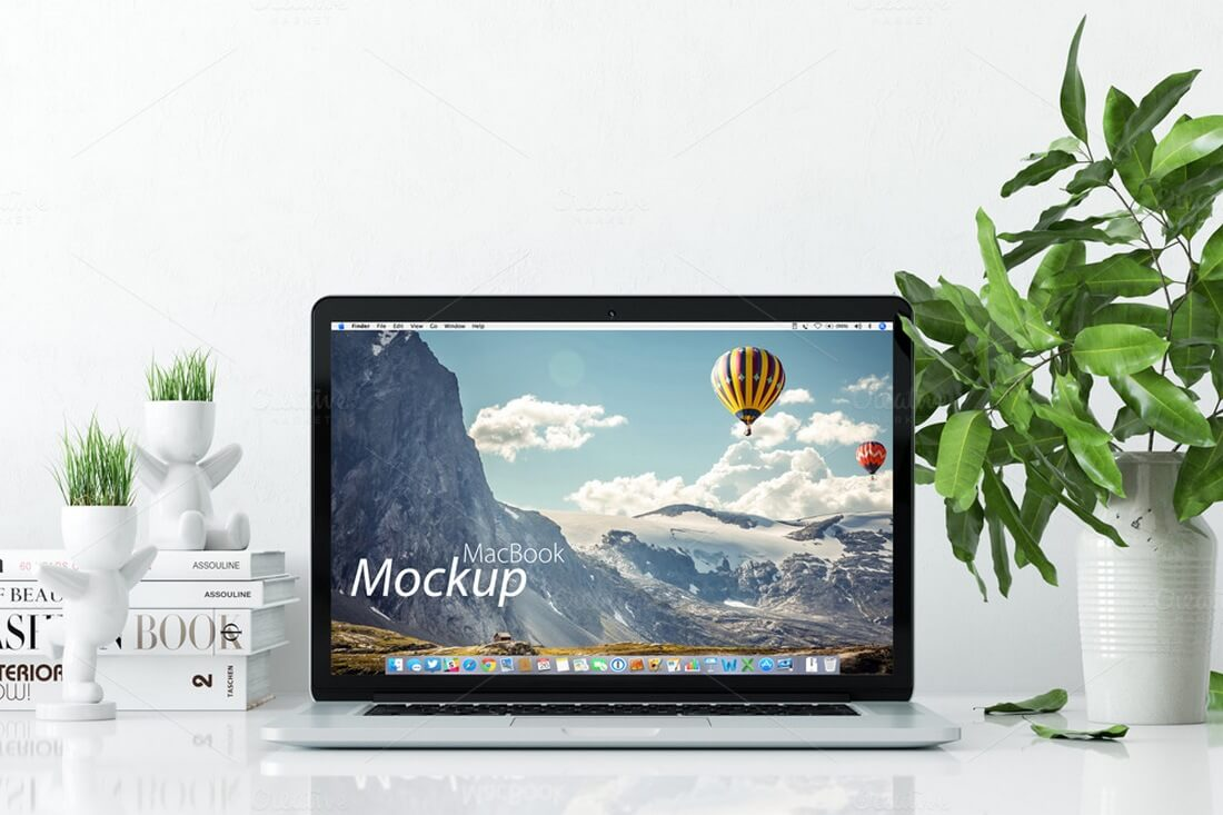 mockup-macbook-on-the-desk
