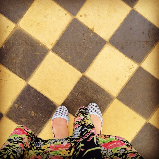 Summer Chequer tiles countryhouse #ihavethisthingwithfloors
