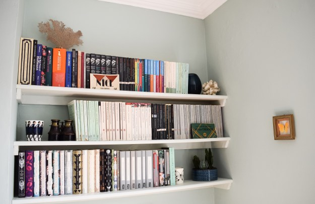 Interior styled bookshelves, bohemian, coral, ceramics, inspiration