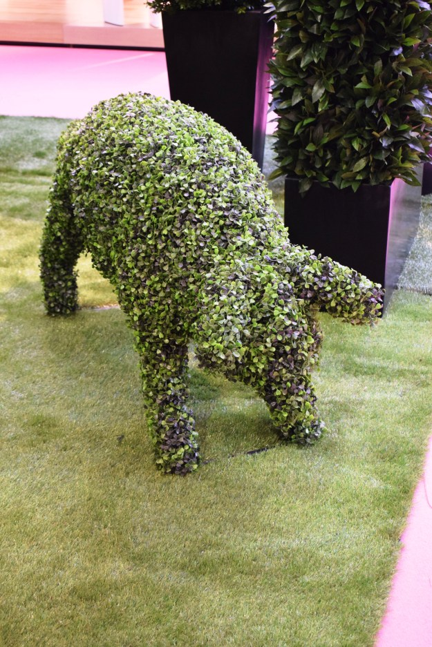 faux topiary pig, 100% design 2016