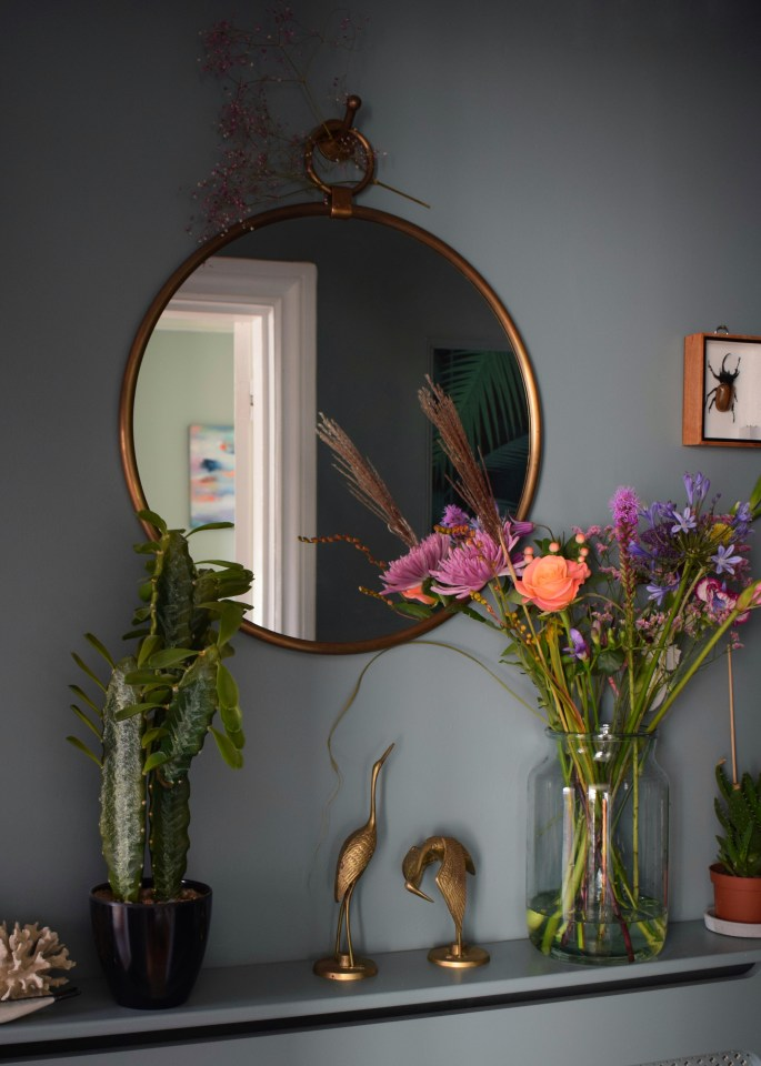 How to style a Vignette or suface, interior design stylist tips and tricks vintage bohemian eclectic style hallway interiors farrow ball Oval Room Blue faux cactus brass mirror