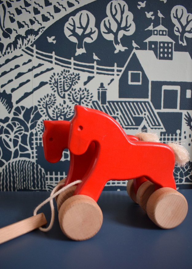 Farrow Ball Gable wallpaper interior ideas, childrens room decor with a vintage and wooden toys (2)