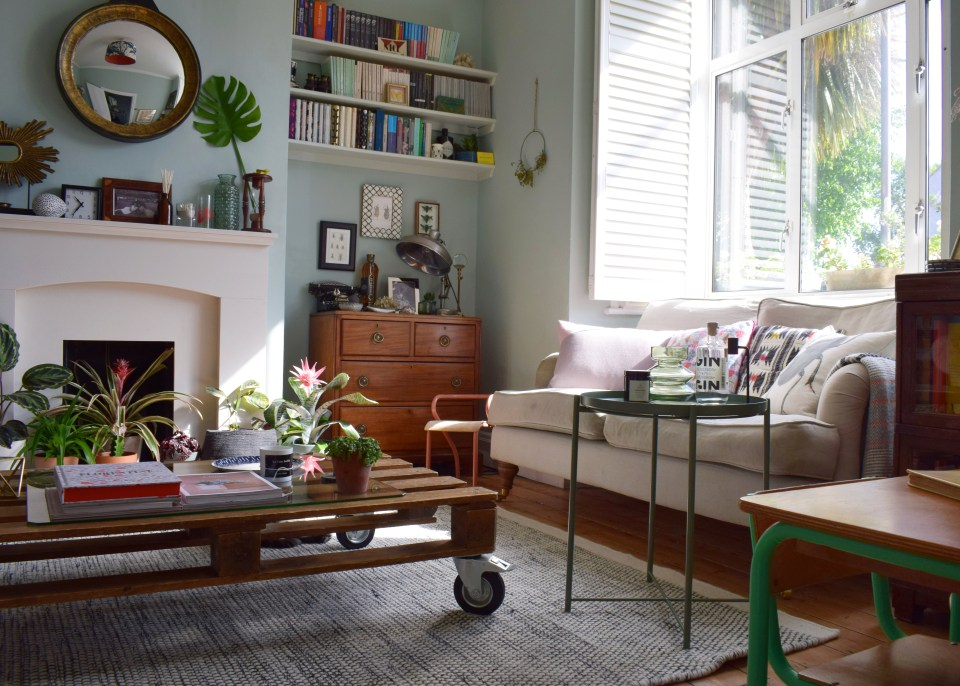 eclectic-modern-bohemian-rustic-vintage-interior-decor-farrow-ball-teresas-botanical-summer-style greenery (3)