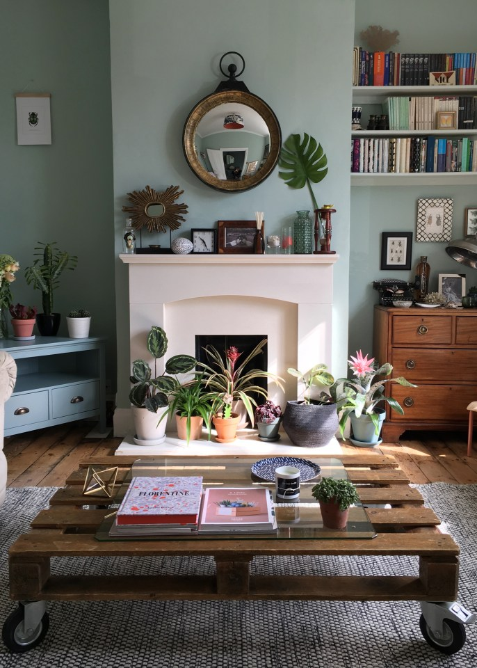 eclectic-modern-bohemian-rustic-vintage-interior-decor-farrow-ball-teresas-botanical-summer-style greenery houseplant trend greenterior, urban jungle bloggers
