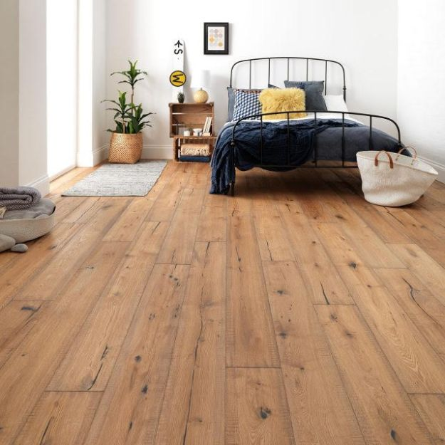 Natural wood flooring solutions from Woodpecker flooring, interior design and inspiration cottage