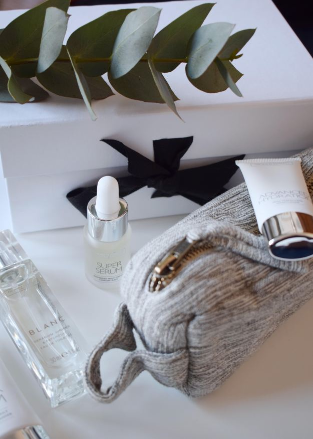 The White Company Mothers Day Gifts, Skincare, Blanc Perfume, make up case (1)