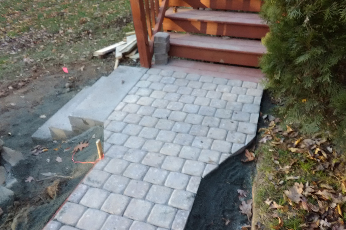 pavers-and-fire-pit