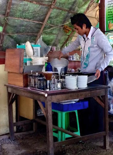 Barista at Barista-Khine cafe in Pyin Oo Lwin.