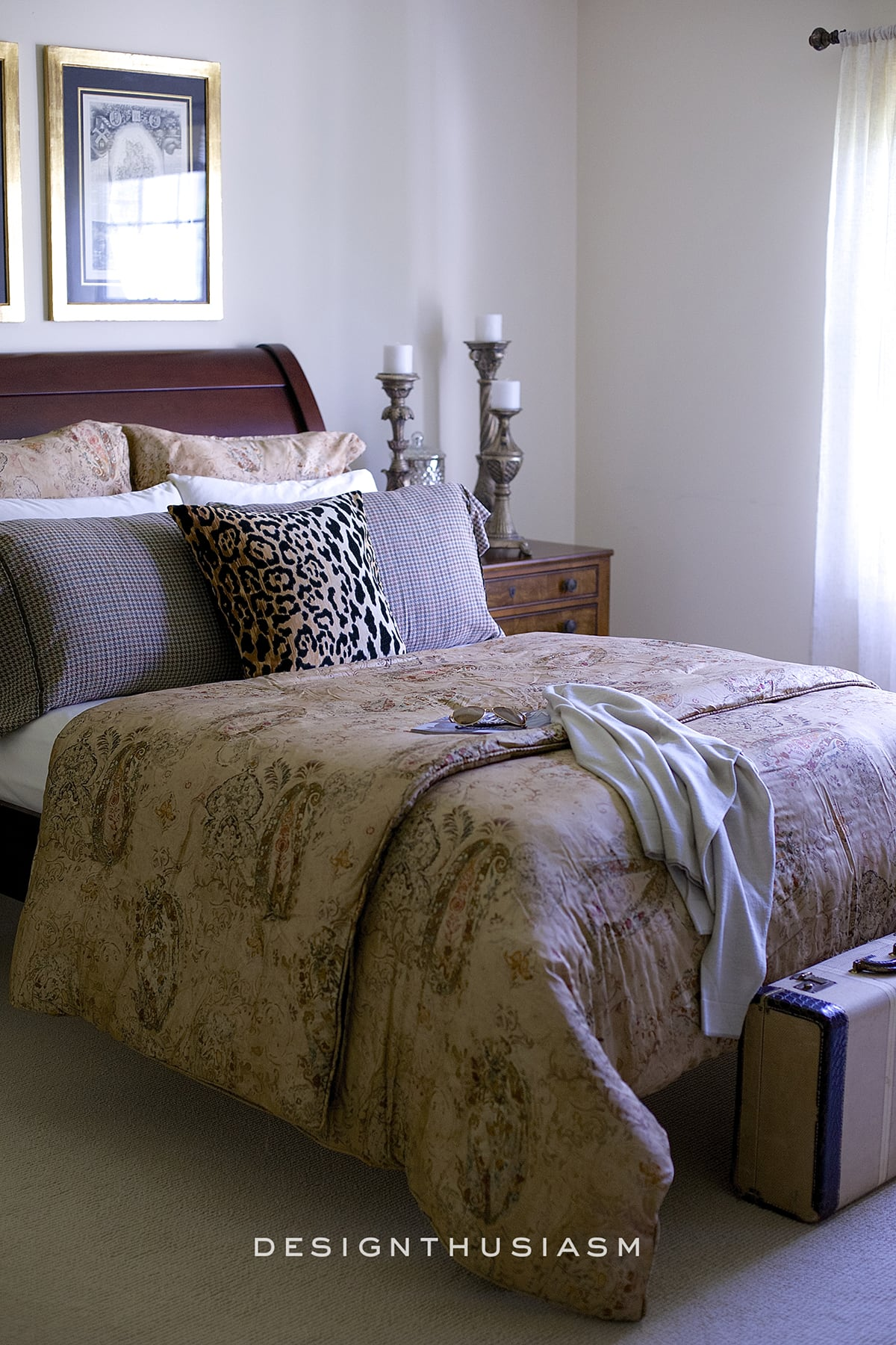 Young Man's Bedroom Decor Ideas on Guys Small Bedroom Ideas  id=63347