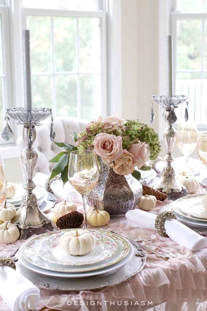 A Soft Vintage Thanksgiving Table | Designthusiasm.com