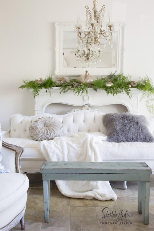 elegant-french-country-living-room-shabbyfufu