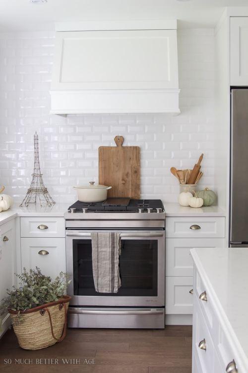 white-pumpkins-white-kitchen-vintage-french-105