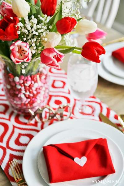 Sand and Sisal | Valentine's Tablesetting