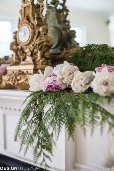 Romantic Holiday Decorating with a Christmas Mantel Garland - designthusiasm.com