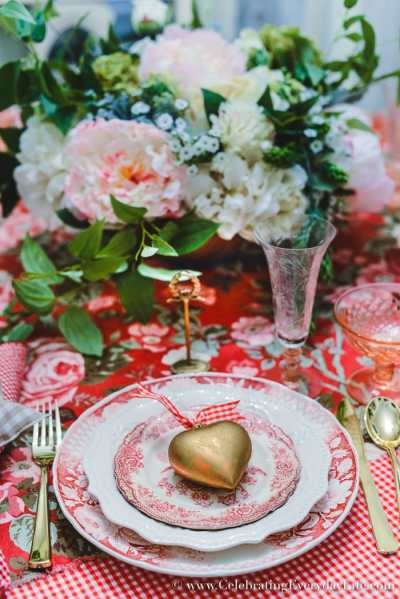 How to Host a Fantastic Galentine's Day Party this year