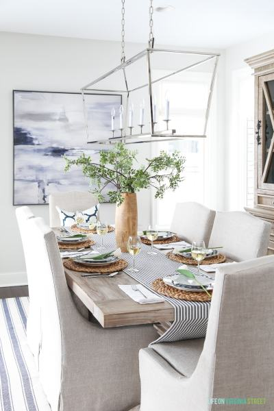Life on Virginia Street blue-white-easter-tablescape