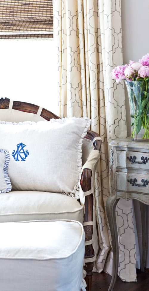 french-room-and-pillows