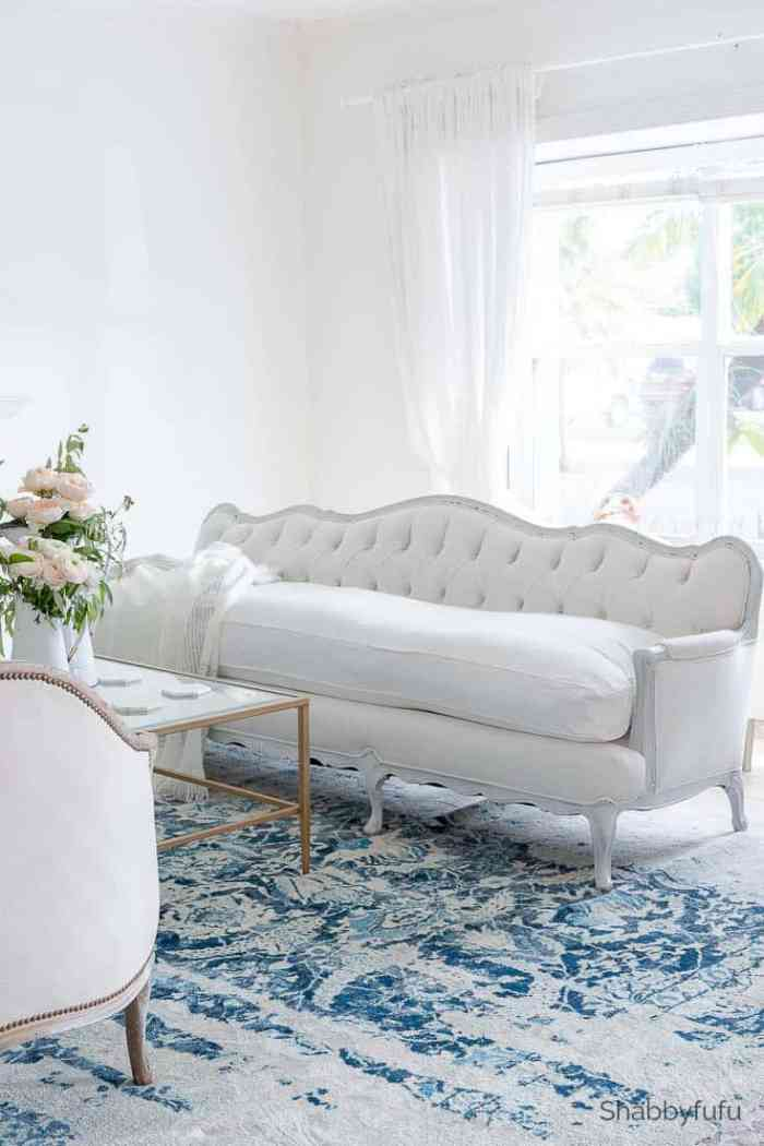 designer-furniture-vintage-sofa- shabbyfufu