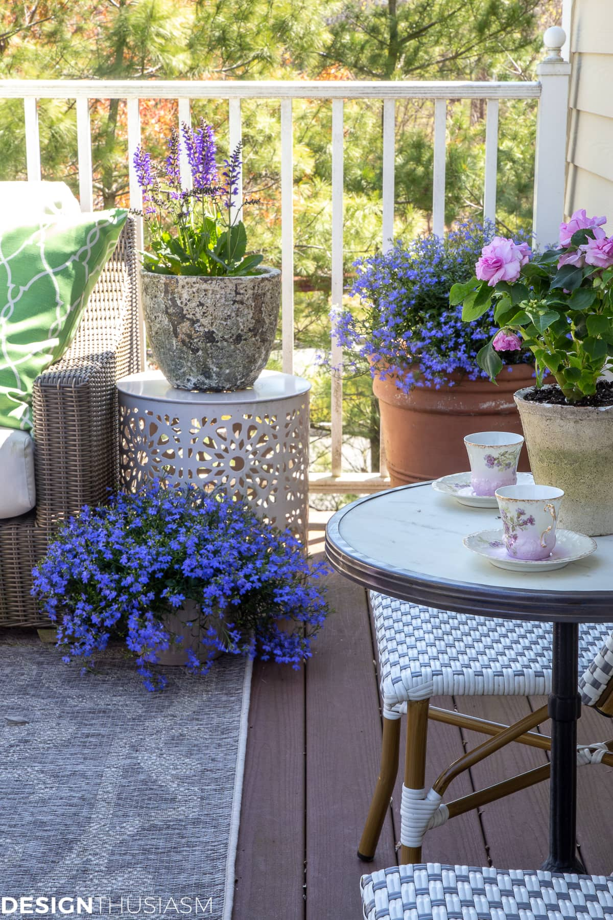 outdoor living cheerful patio ideas