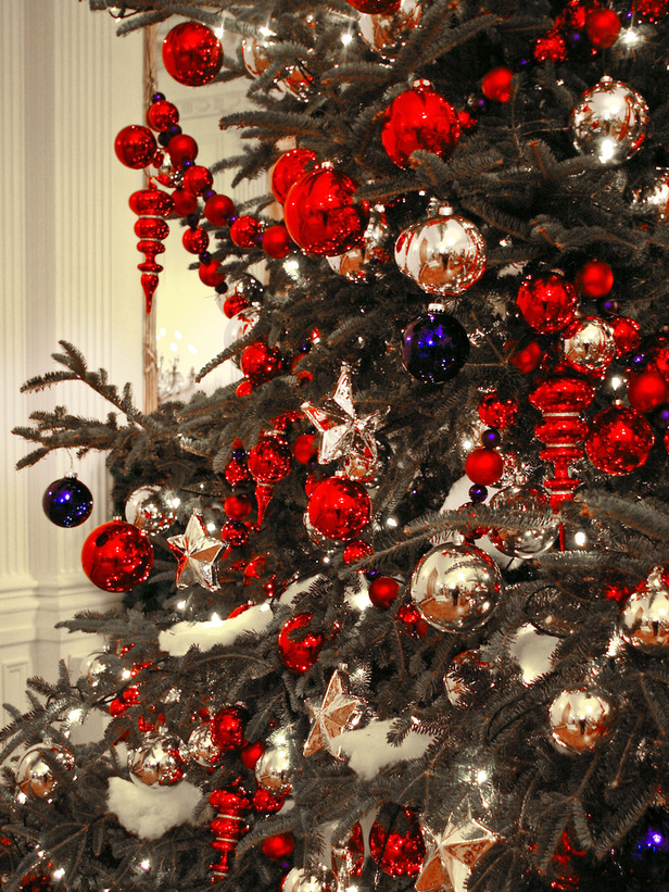 2011 Christmas Tree Designs and Decor Ideas   Design Trends Blog Gold Decorations