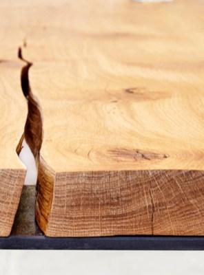 Tavolo-in-legno-massello-con-panche-artigianale-stile-industriale-modello-Cedric-04.jpg
