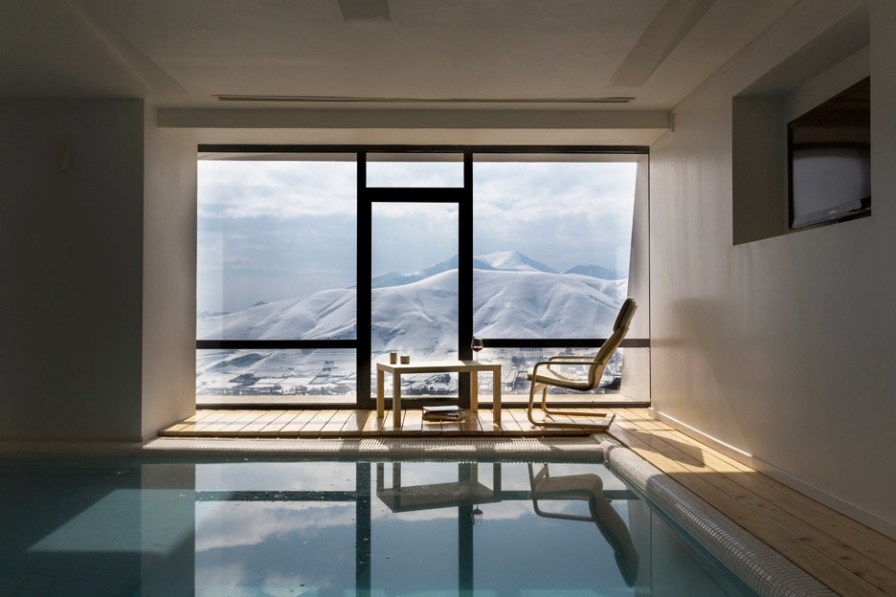 three-views-a-house-new-wave-architecture-mosha-house-tehran-iran_dezeen_936_16