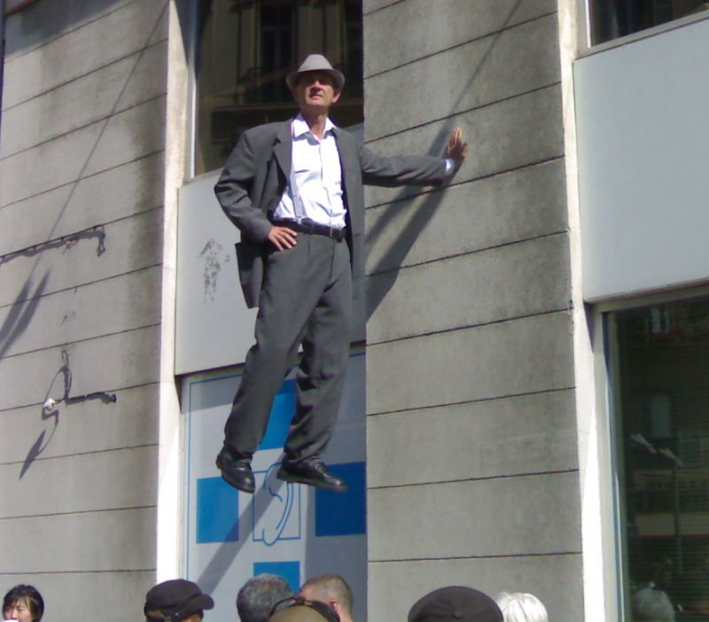 Johan Lorbeer levitation trick
