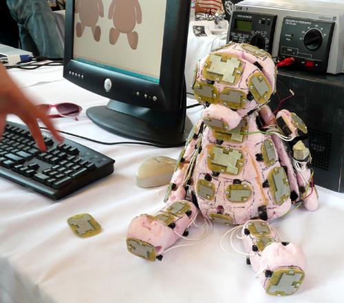 gadgetoff.2009_sensor.bear