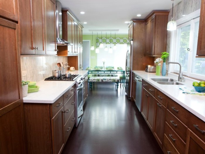 Modular kitchen_Gallery shaped