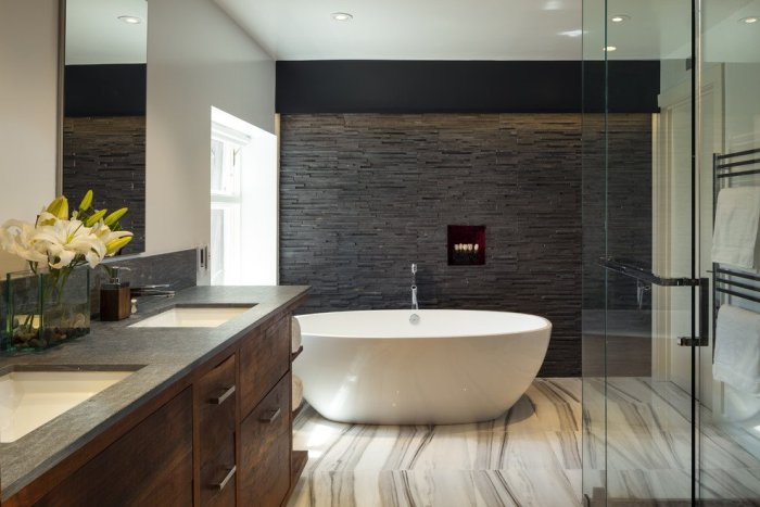 bathroom-feature-wall-ideas-contemporary-style