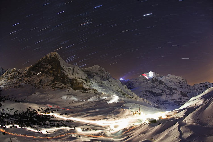 712 Weather Permits Light Show on Swiss Jungfrau Mountain for Second Time!