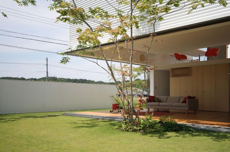 3 750x496 House in Sakuragaoka by Atelier Yoritaka Hayashi Architects