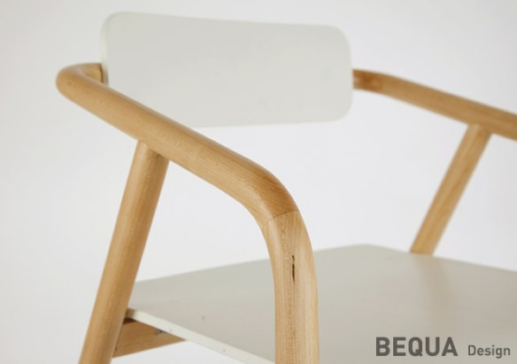 1o26 R2 chair by Bequa