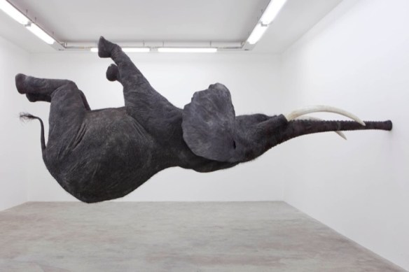 danielfirmannasutamanus1 Spectacular Gravity Defying Elephant Sculpture
