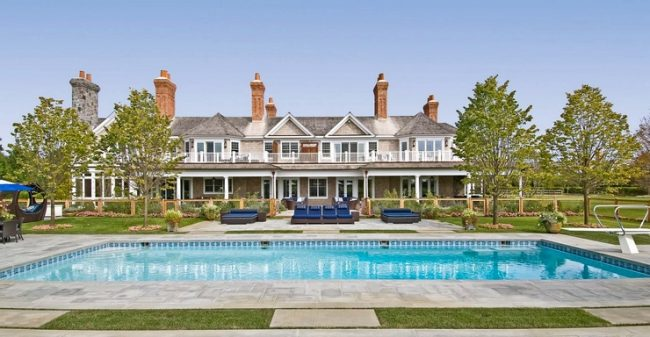 beach house 32 650x337 Millionaire Beach Houses in the Hamptons
