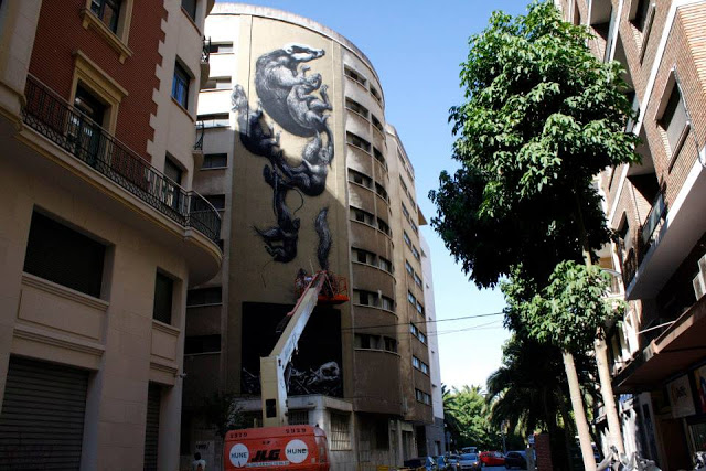 roa x malaga spain 01 Streetart: ROA - New Murals in Rochester // USA and Malaga // Spain