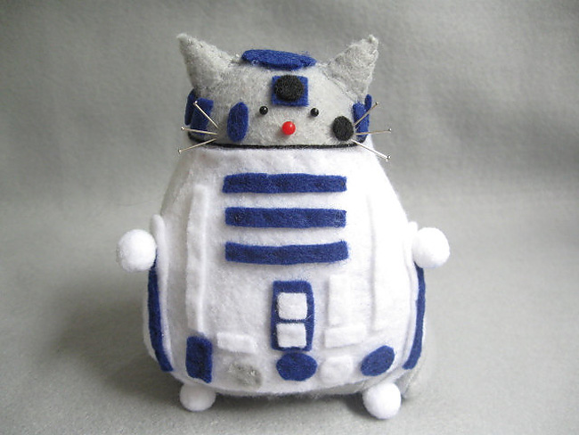 1167 Sew Awesome: Fun Sci Fi Kitty Pincushions
