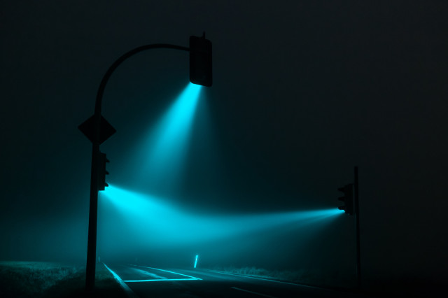 1388427076 4 640x426 Traffic Lights in a Misty Night by Lucas Zimmermann