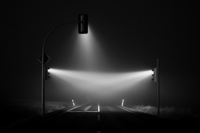 1388427076 5 640x426 Traffic Lights in a Misty Night by Lucas Zimmermann